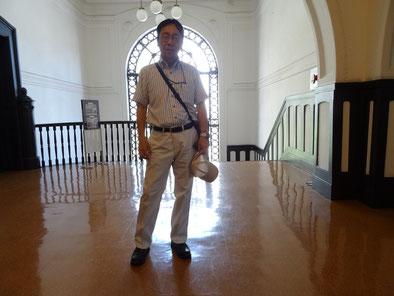 開港記念会館にてガイドさんに撮っていただきました
