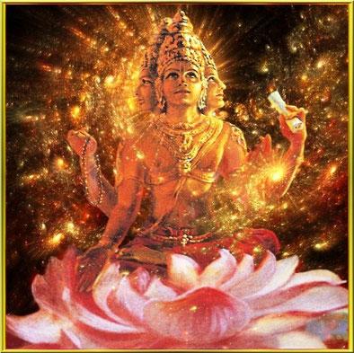 Padma-ja der Lotosgeborene hält die Veden, eine Gebetskette(Japa), einen Wassertopf (Lota) und eine Lotosblume...und/oder meditiert mit 2 Händen