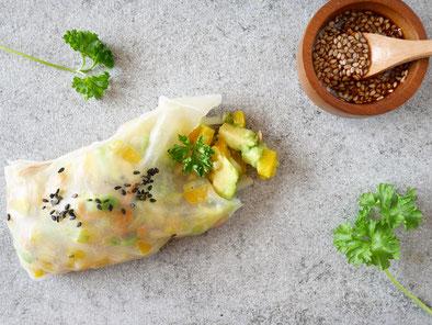Avocado-Paprika-Roles / Sesamsauce