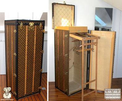 Comment reconnaitre une malle wardrobe Louis Vuitton ? Contrairement a la malle courrier, la malle wardrobe se pose a la verticale, elle est conçu pour être ouverte dans la cabine des bateaux.