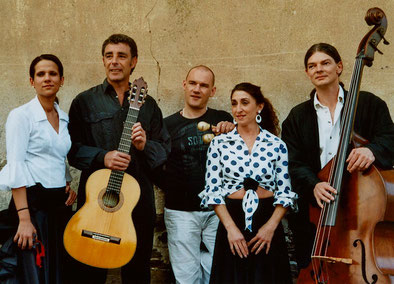 MANOS, 2006