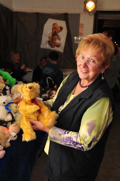 Monika Pfeifer, Teddybaren,Straubinger Kunsthandwerkermarkt, Foto © Susanne Fesl