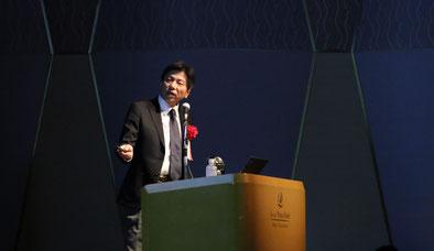 AI(人工知能)活用をテーマに、ホテルなど宿泊施設の経営管理者層対象のセミナーで講師を務めるカナン株式会社 エバンジェリスト 桂木夏彦
