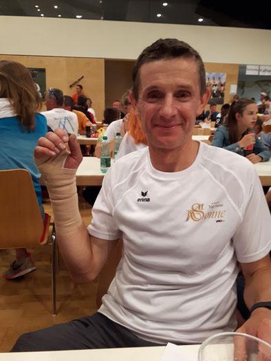 Reinhard Helmreich bei der Siegerehrung des Silvretta 3000 - Berglaufes