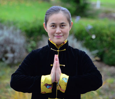 Ping Dietrich-Shi Lehrerin und Ausbilderin für Zhineng Qigong,  Wirbelsäulen QiGong und Natur Taiji