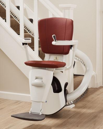 Preis Kosten von einem Treppenlift, Sitzlift oder Seniorenlift für eine Kurventreppe. Auch Behindertenlift oder Stuhllift für eine kurvige Treppe genannt.