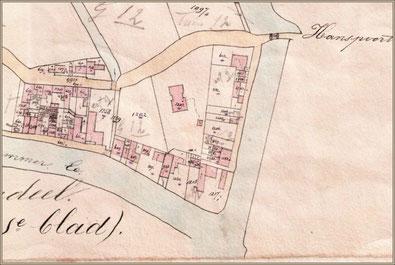 Fragment van een kadasterkaart uit 1887. Op de hoek van de stadsgracht en de Dokkumer Ee ligt de werf van Barkmeijer