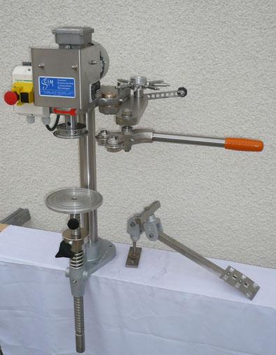 Sertisseuse de table pour production moyenne. Sertissage de boîtes rondes (métal, composite, plastique...) - SCIM