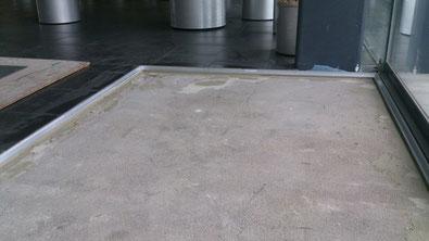 Einbau einer Sauberlaufmatte Saalebau GmbH