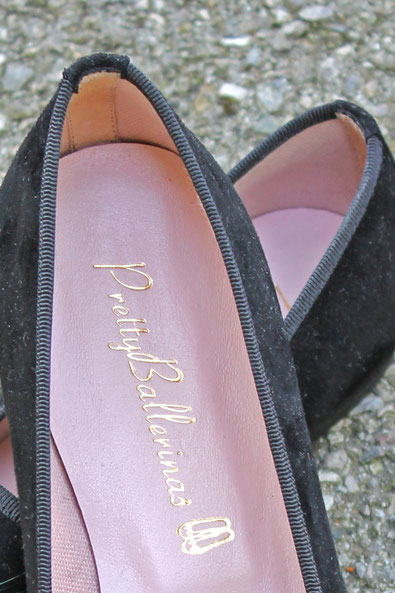 Second-Hand: Ballerinas mit Federn