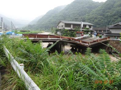 旧御室橋崩落。北部地域は7月8日18時まで断水。