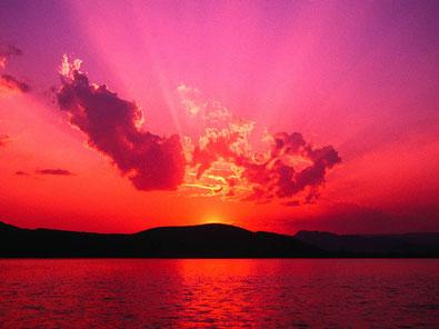 Damit die Sonne wieder ganz aufgehen kann, musste sie einmal richtig untergehen.