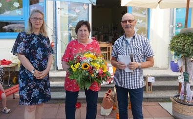 Auf dem Foto: Simone Prell-Kaatz,  Doris Roth und Peter Kobert