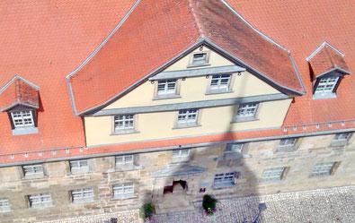 Bild: Blick von den Türmen der Stadtkirche auf das Historische Museum