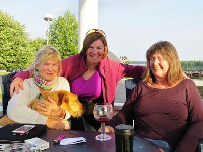 Gemütlicher Abend mit Gabi, Hund Albertine und Köchin Doris