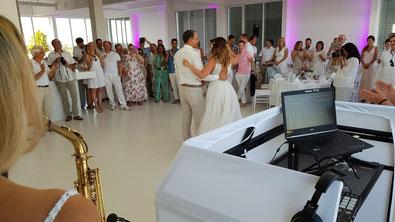 Über den Dächern Münchens die Hochzeit feiern