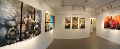 Raum 1 der tOG Düsseldorf mit acht Werken von Annette Palder. Foto © Dirk Palder