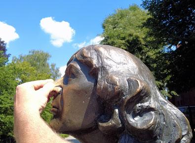Glücksbringer in Olsztyn: Die Nase des Nikolaus Kopernikus
