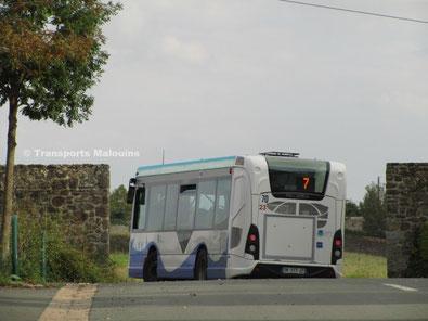 HeuliezBus GX137 du réseau KSMA de Saint-Malo sur la ligne 7 vers La Haize, vu dans le Petit-Paramé.