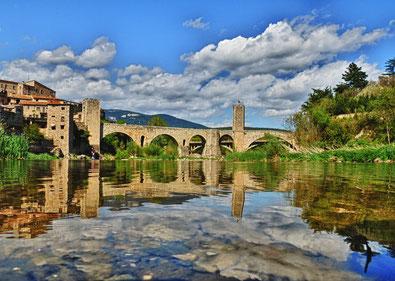 El Fluvià i el pont de Besalú