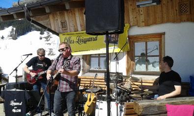 Olles Leiwand spielt zum Apres-Ski in Dienten Austropop