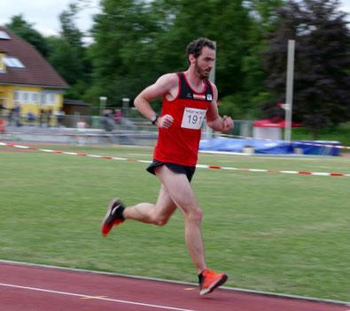 Phlipp Meixner beim 5000m-Rennen in St. Pöten (Foto: zVg)