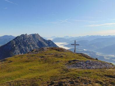 Gipfel des Stoderzinkens, im Hintergrund das Ennstal