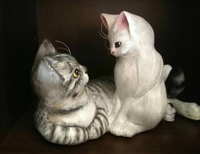 グレイとシフの彫刻