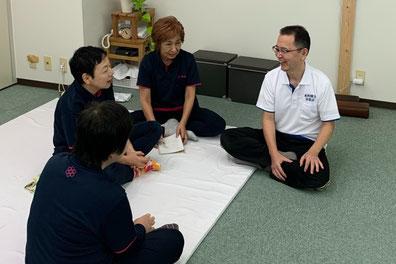 しんそう療方の研修会では、楽しさと集中とメリハリのある研修会をすすめています。