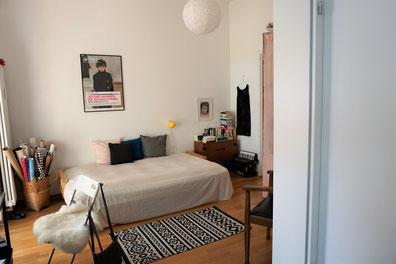 Zu Besuch bei Jutta von meinezeit-blog. Kleine Zweiraumwohnung in Kreuzberg...