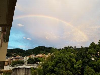 Nさんより、生駒山にかかる虹