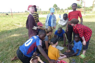 Und Mseto-Kids, die versuchen, mir etwas zu erklären ;)