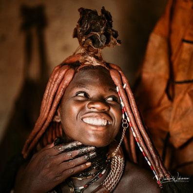 junge himba frau kunene kaokoveld namibia