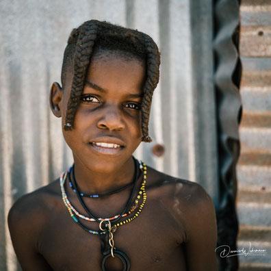 himba mädchen epupa village kaokoveld namibia