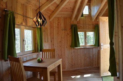 Baumhaus Kobel, Innenraum, Bild: Baumhaushotel Solling.