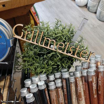 Holzschrift Grillmeister
