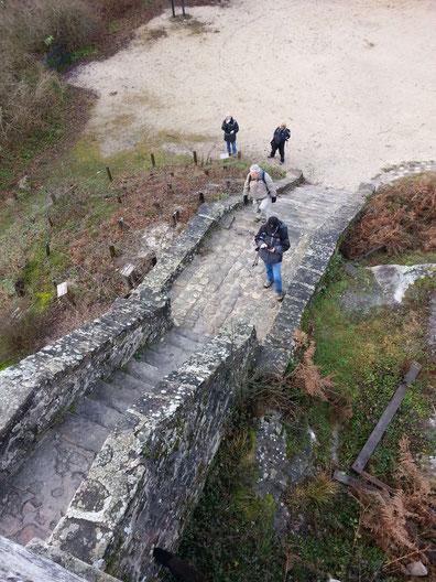 Du haut de la tour Denecour, les randonneurs semblent petits