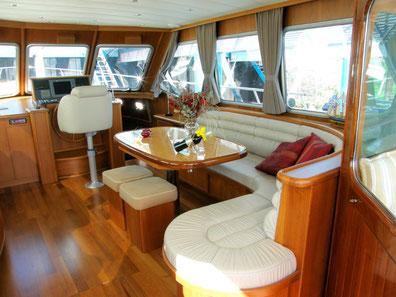 van Kessel interieur- en jachtwerken, scheepsinterieur, jachtinterieur, Midden-Limburg, Maasplassen, jachtonderhoud, pleziervaart