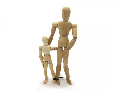 信頼し合う親子の像