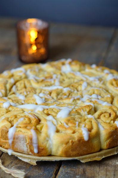 cinnamon buns food bakery