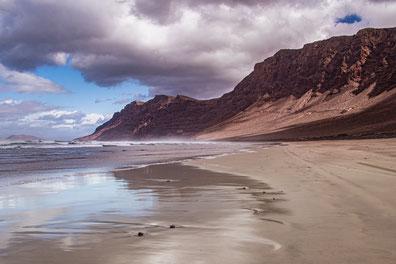 Lanzarote Playa de Famara Strand