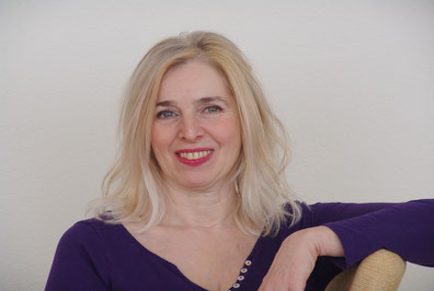 Mona Grigolo / Dipl Astrologin / EMR Therapeutin / Coach / Referentin