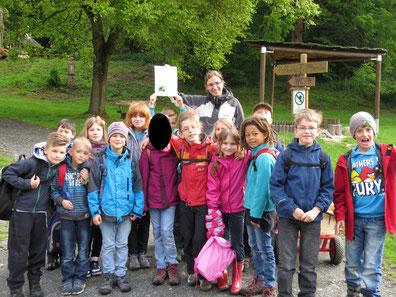 Klasse 2a im Weilburger Tiergarten