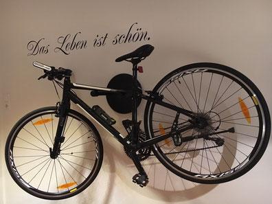 Wandhalter Wandmontage Halterung Fahrrad Rennrad Holz mit Beleuchtung LED Bike wall mount Karbon Carbon schwarz