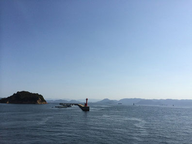 静かで穏やかな瀬戸内海の景色