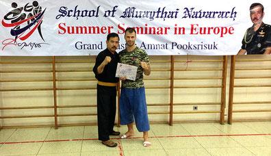 Prüfung zum 11.Khan Muaythai Navarach während dem Sommer Seminar mit Großmeister Amnat Pooksrisuk