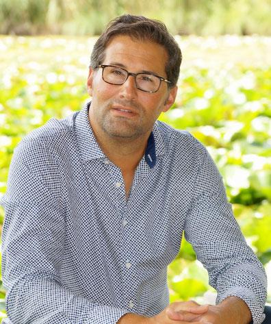 Alain Yves Gozzer, ganzheitlich dipl. Persönlichkeitscoach (MPI), Kommunikationsprofi und Hotelier.