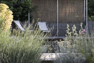 Lassenat éco-maison d'hôtes en Gascogne, maison d'hôtes, chambres d'hôtes, table d'hôtes, espace détente, piscine écologique O2Pool. A proximité de Vic-Fezensac, Eauze et Condom, dans le Gers, Occitanie. 4 clés Clévacances, Clévacances environnement.
