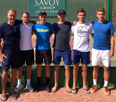"""Das """"Sharm""""-Team: Maik Schürbesmann, Lucas Hellfritsch, Niklas Guttau, Lewi Lane, Noel Larwig und Pelle Boerma."""