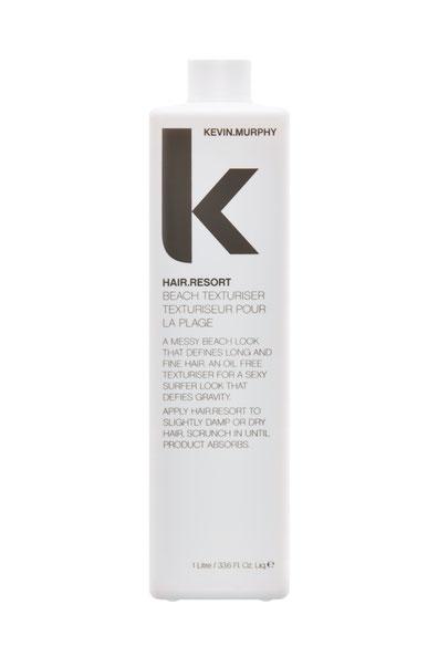 Kevin Murphys Hair.Resort, eines von diversen großartigen Salonprodukten aus der Familie Texture für einen schwerelosen Surferlook.
